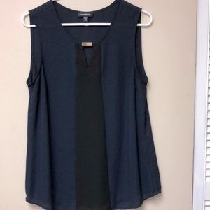 3for$25💜Le chateau navy sleeveless top - Size M